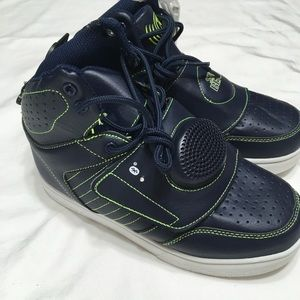 Shoe Beatz nwt boys blue/green